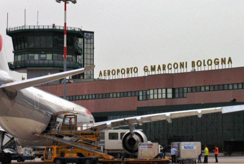 Parti in aereo per le vacanze? Il nostro Hotel è vicino all'aeroporto di Bologna