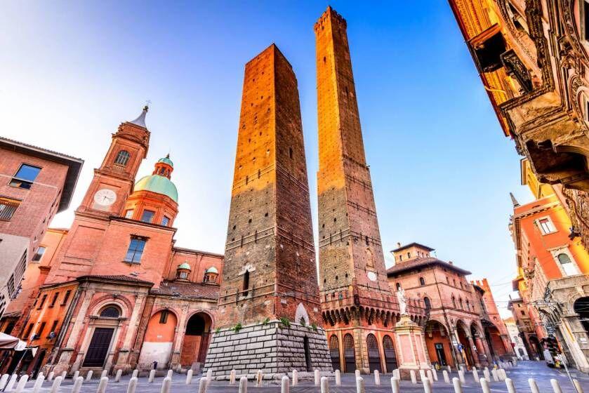 Garisenda e Asinelli: scopriamo la Bologna delle torri